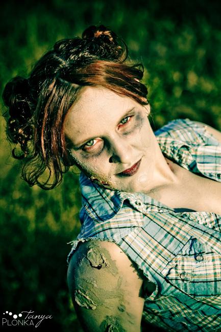zombie03 Zombie Pinups Cassandra