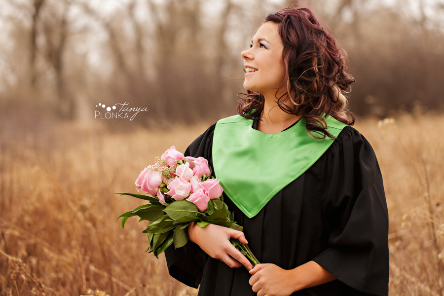 Lethbridge convocation and graduation photography, girl holding roses