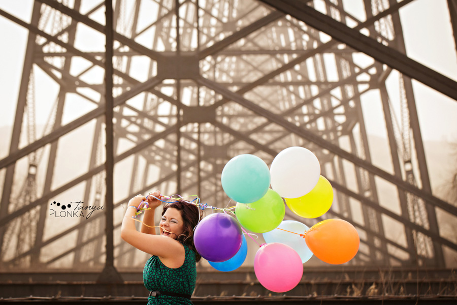 Lethbridge portrait photography, girl with balloons at high level bridge
