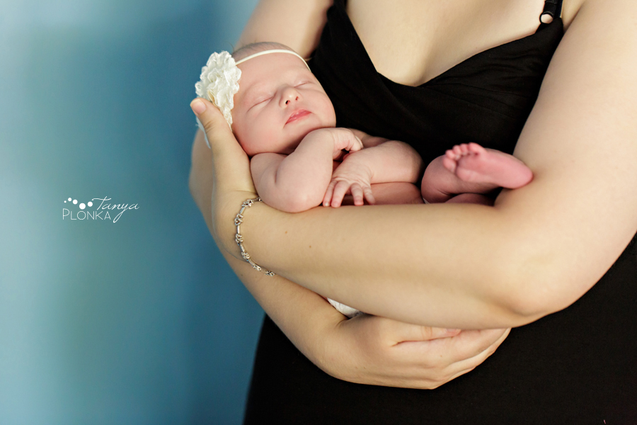Lethbridge newborn photos baby girl