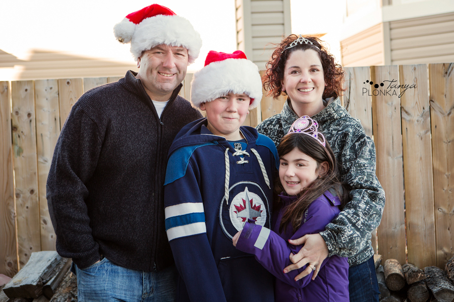 Lethbridge Christmas family photos outdoors in winter, hillbilly theme