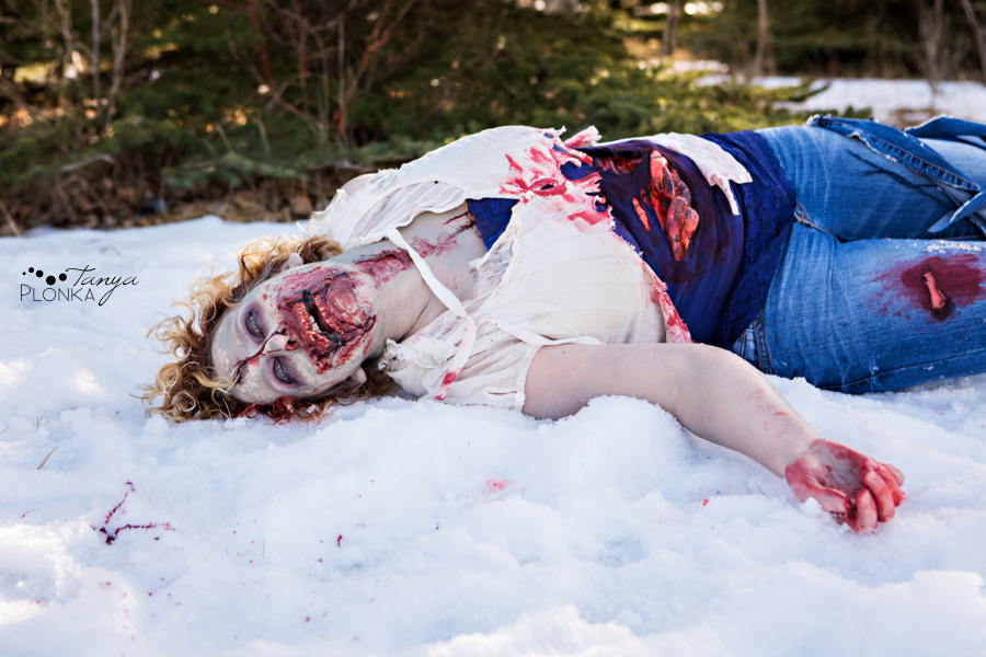 funny zombie engagement photo shoot