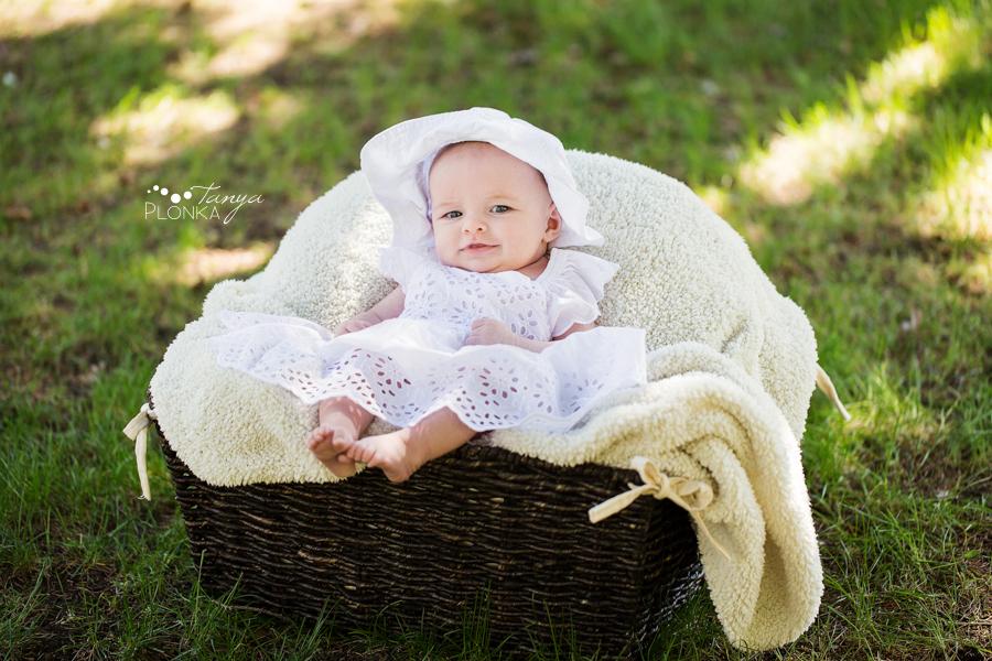 Henderson Lake newborn baby photo session