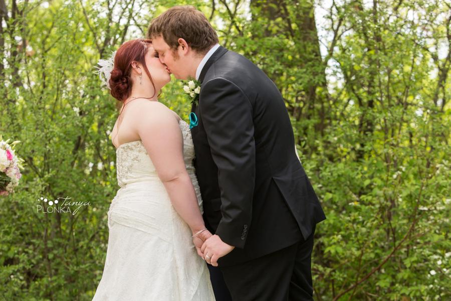 Shannon & Andrew, Brooks springtime wedding