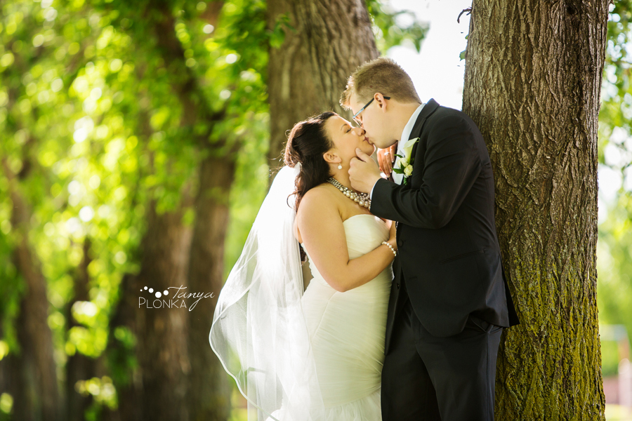Nicholas & Robin, Taber early summer wedding
