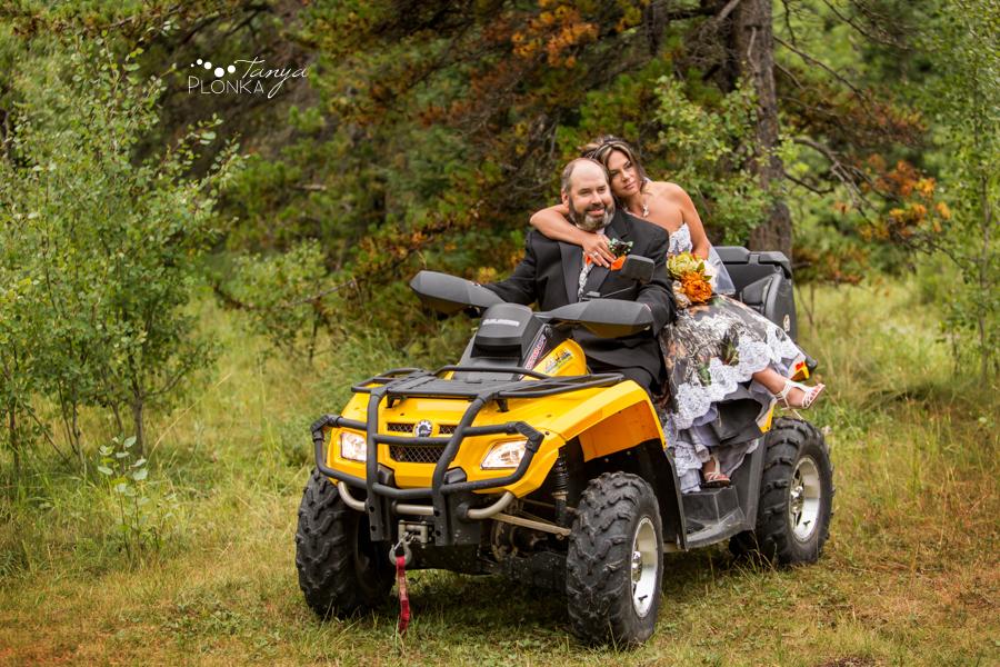 Anna & Allen, Syncline outdoor rustic wedding
