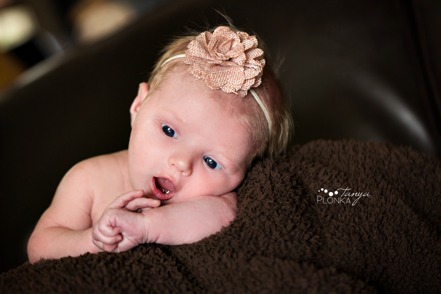 natural newborn session Lethbridge