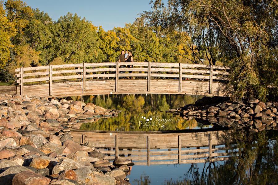 Henderson Lake autumn family session