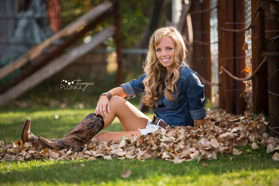 teen girl portraits in Taber