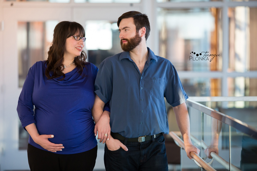 Lethbridge indoor winter maternity session