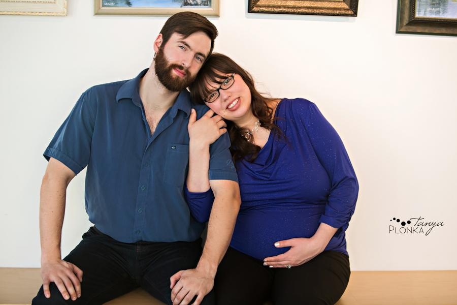 Lethbridge indoor winter maternity session