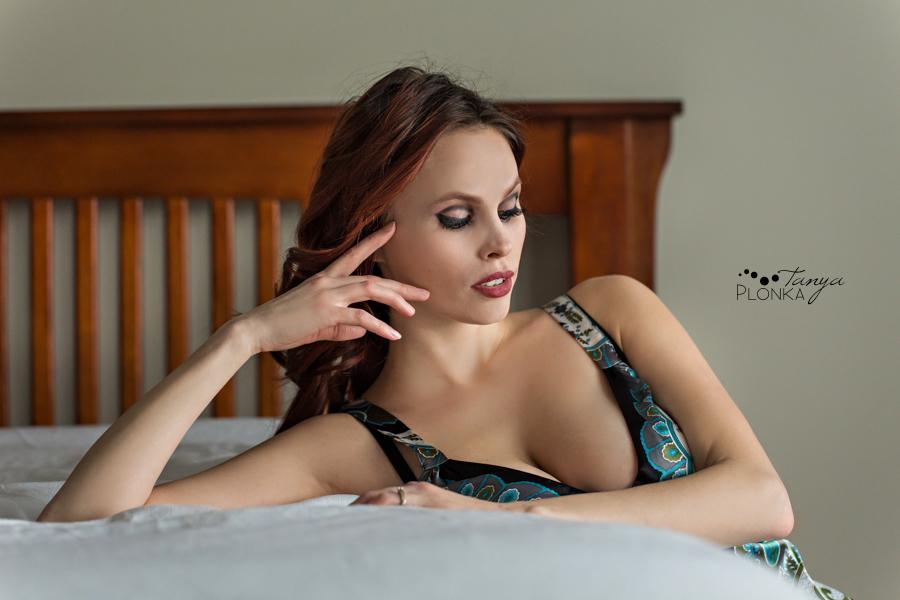 Lethbridge women's bedroom boudoir session
