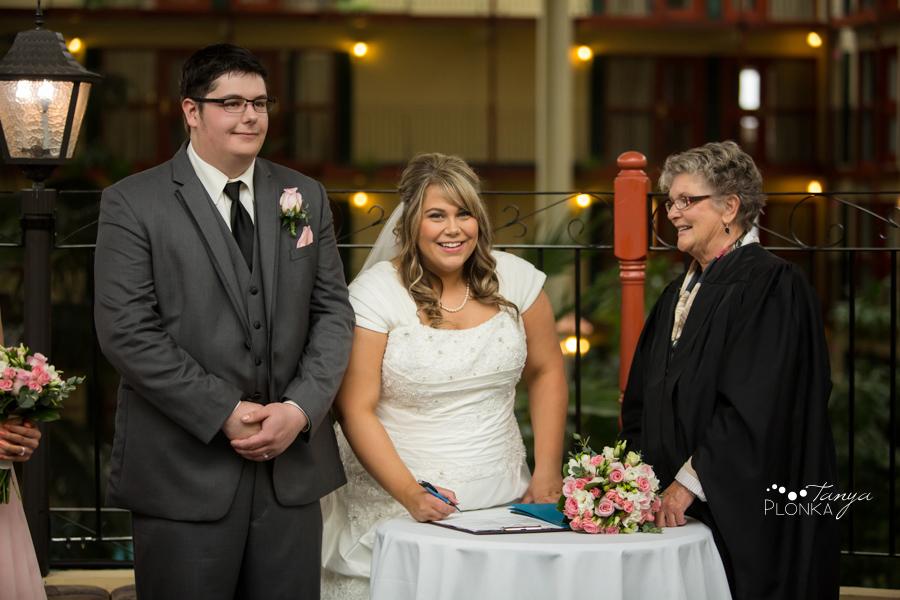 Cale & Kirsten, Lethbridge Lodge spring wedding photos