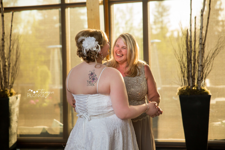 Cyndy & Austin, Azuridge Estate Calgary wedding photography