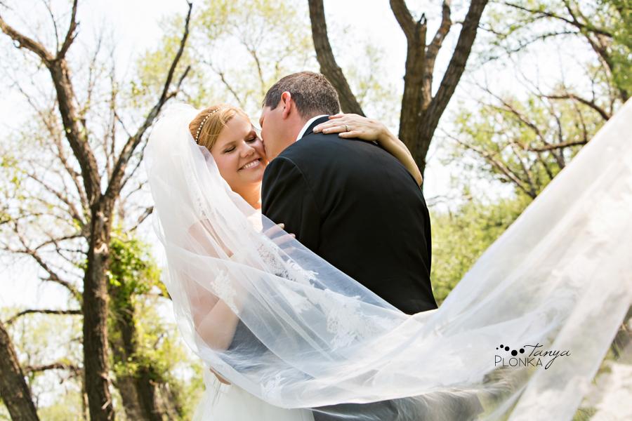 Don & Cathy, Lethbridge Indian Battle Park summer wedding photos