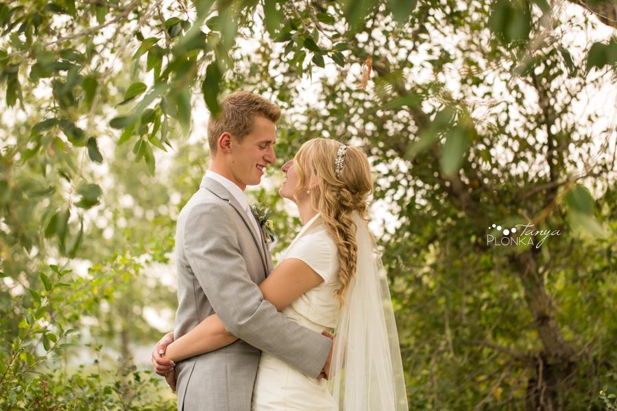 Jeremy & Emily, Lethbridge Pavan Park wedding photos