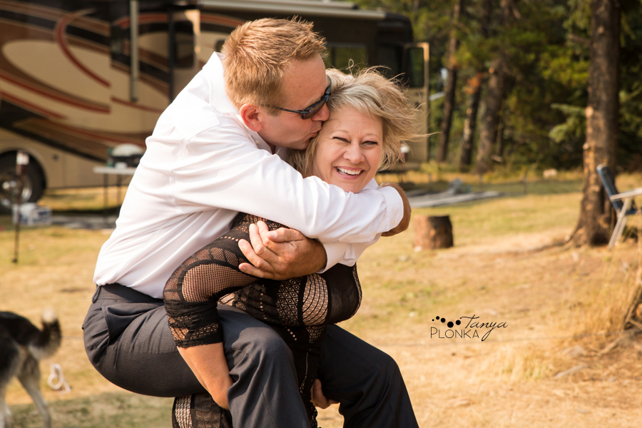 Freddie & Stef, Racehorse Creek outdoor camp wedding photos