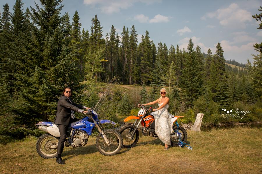 Freddie & Stef, Racehorse Creek outdoor campground wedding