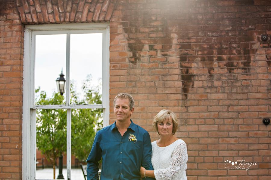 Brian & Margot, outdoor Lethbridge Lethbridge wedding photos