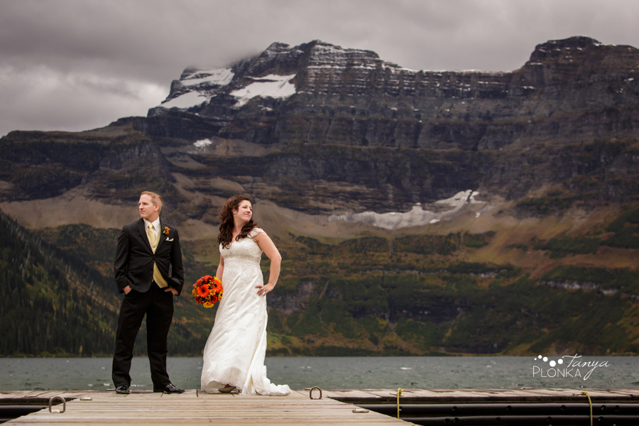 Kevin & Ashley, autumn Waterton wedding photos