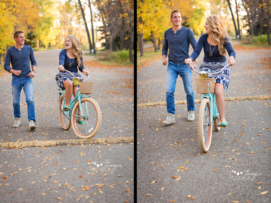 Park Lake autumn engagement photography with bicycle