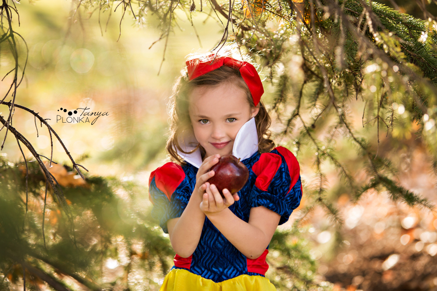 Lethbridge Snow White portraits