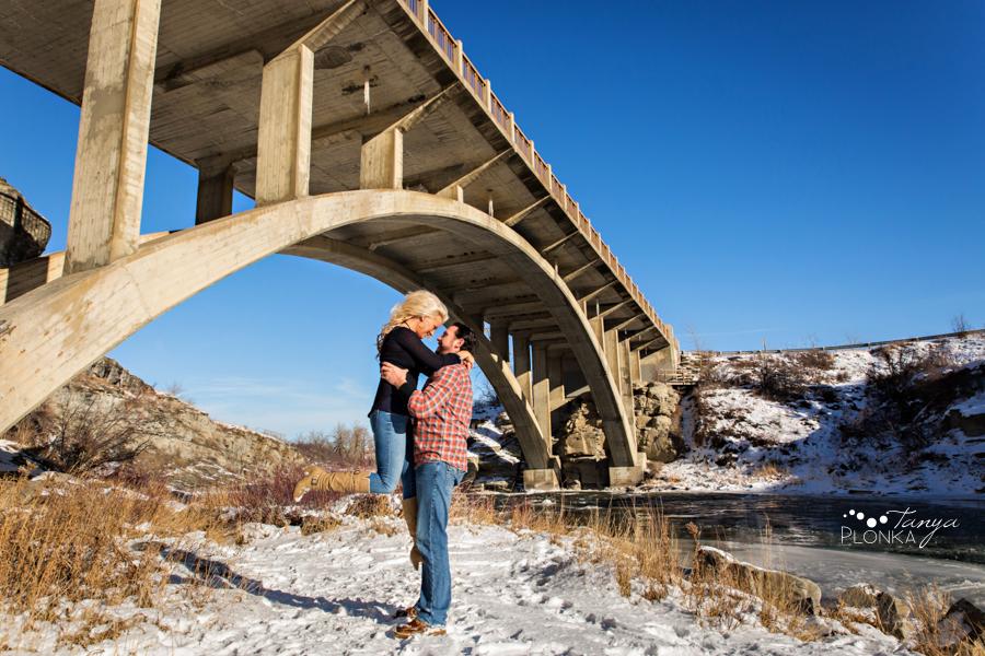 Lundbreck Falls winter couples photos