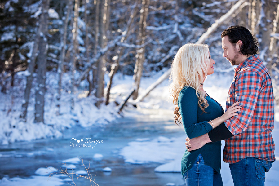 Crowsnest Pass winter couples photography