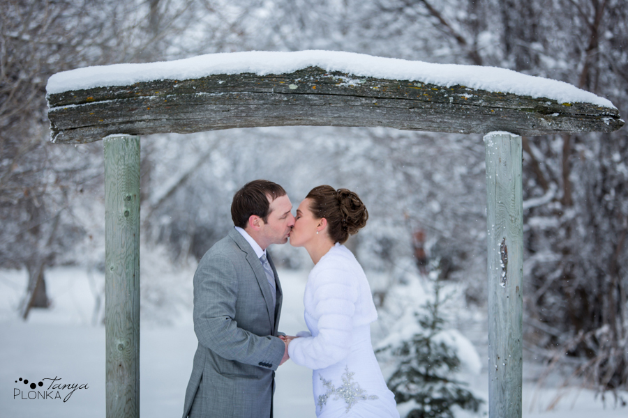 Lanna & Mike, Pincher Creek Bloomin' Inn winter wedding