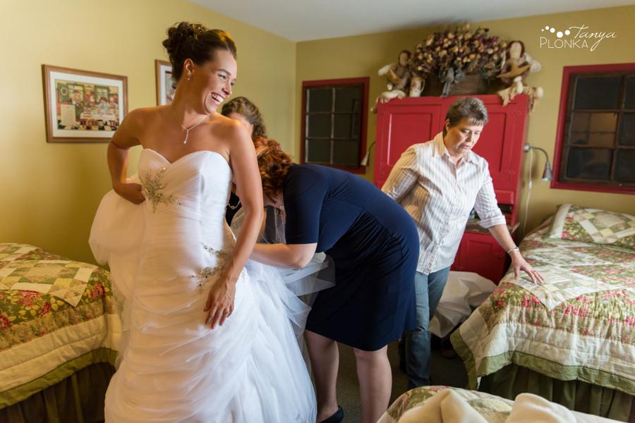 Lanna & Mike, Pincher Creek winter wedding