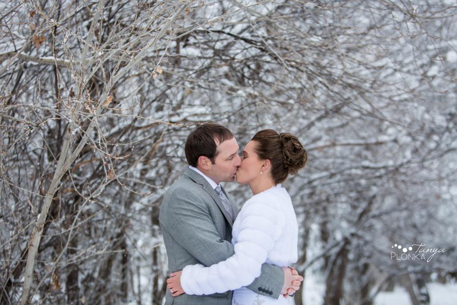 Lanna & Mike, Pincher Creek outdoor winter wedding