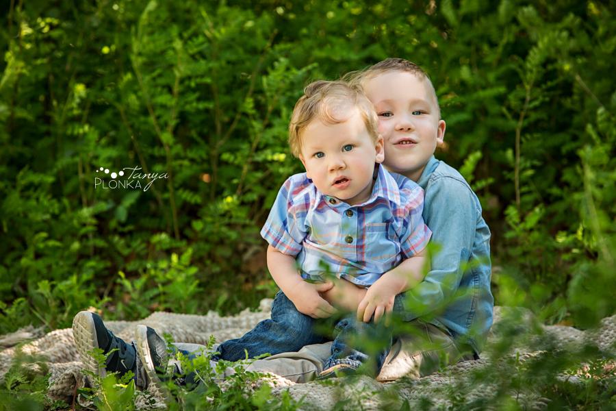 Lethbridge spring morning sibling photos