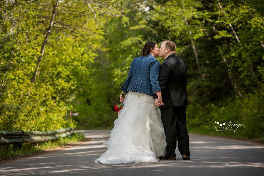 Jessica & Jared, Waterton United Church wedding