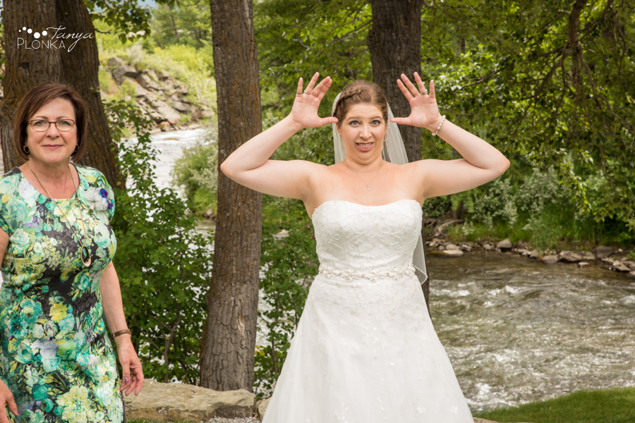 Jill and Shaun, Crowsnest Pass scenic outdoor wedding photos