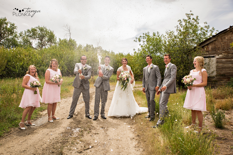 Jelaina & Daniel, Picture Butte rural wedding photos