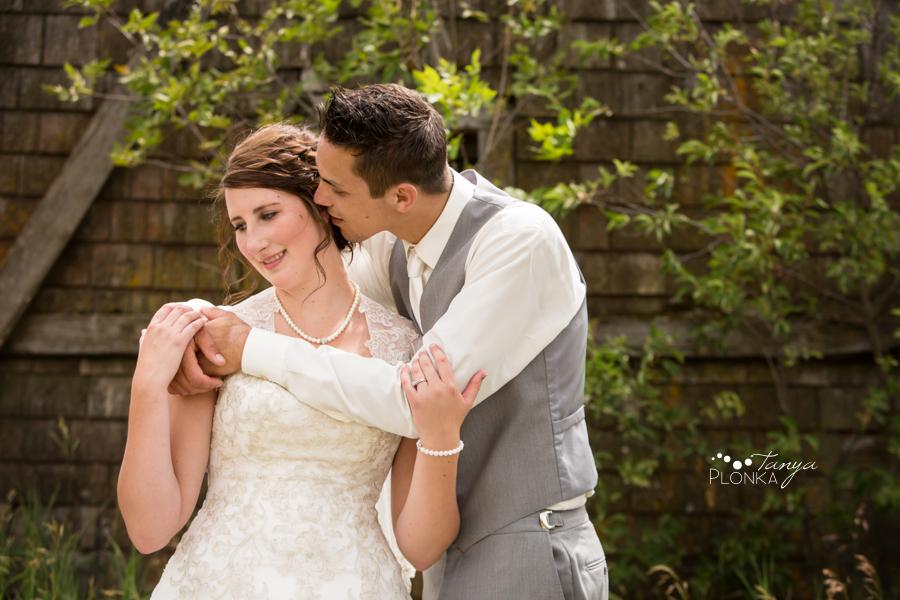 Jelaina & Daniel, Picture Butte farm wedding photos