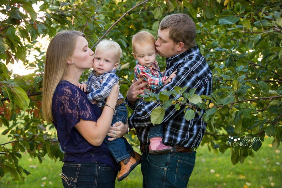 twin sibling Lethbridge country photo session