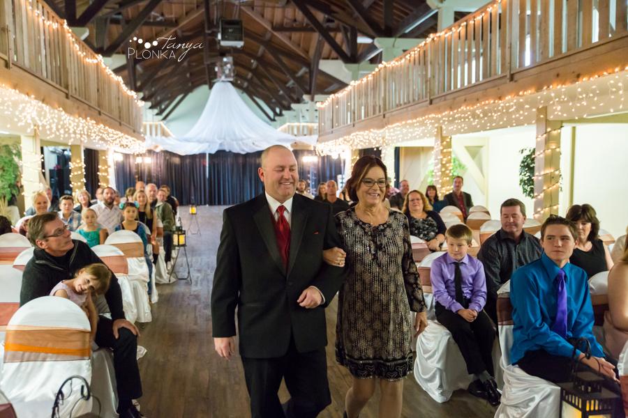 Trent & Dominika, Heritage Hall autumn wedding ceremony
