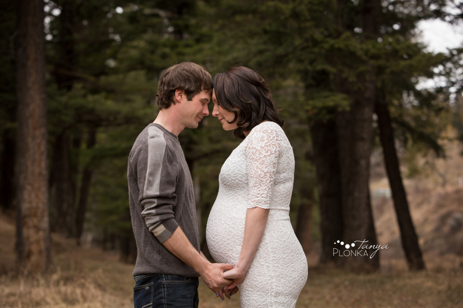 Coleman, Alberta early spring maternity photos