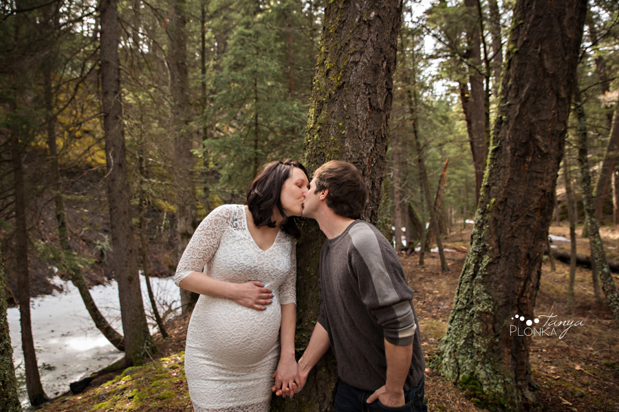 Coleman Alberta early spring maternity photos