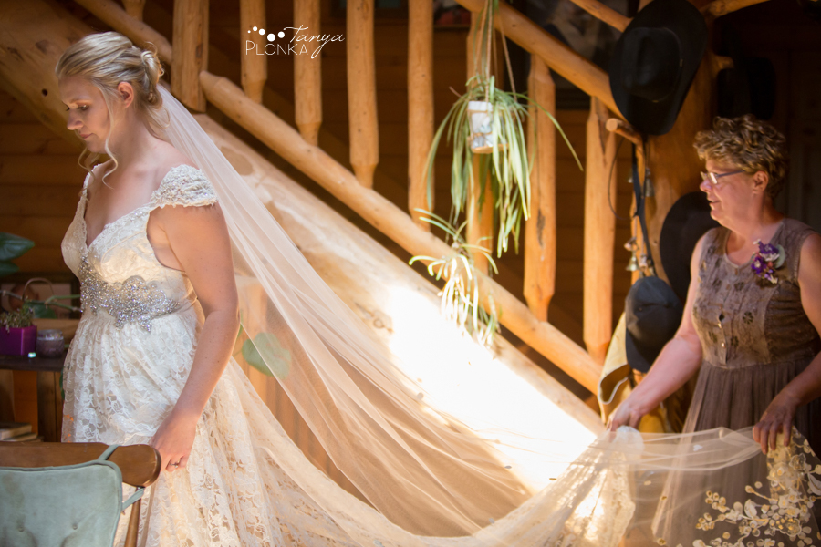 Jodie and Steven, Pincher Creek farm wedding