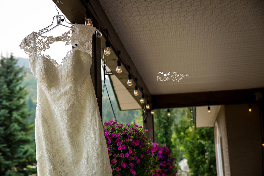 Amanda and Jesse, SpringBreak Flower Farm outdoor wedding ceremony