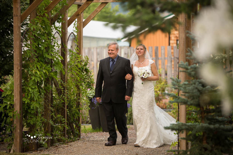 Amanda and Jesse, SpringBreak Flower Farm outdoor wedding ceremony