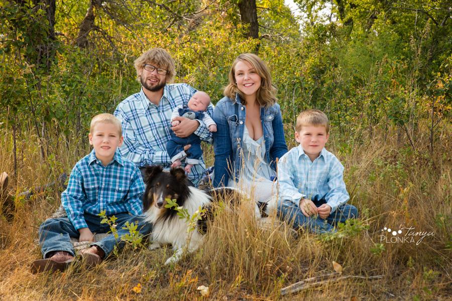 Fort Macleod newborn family photo session