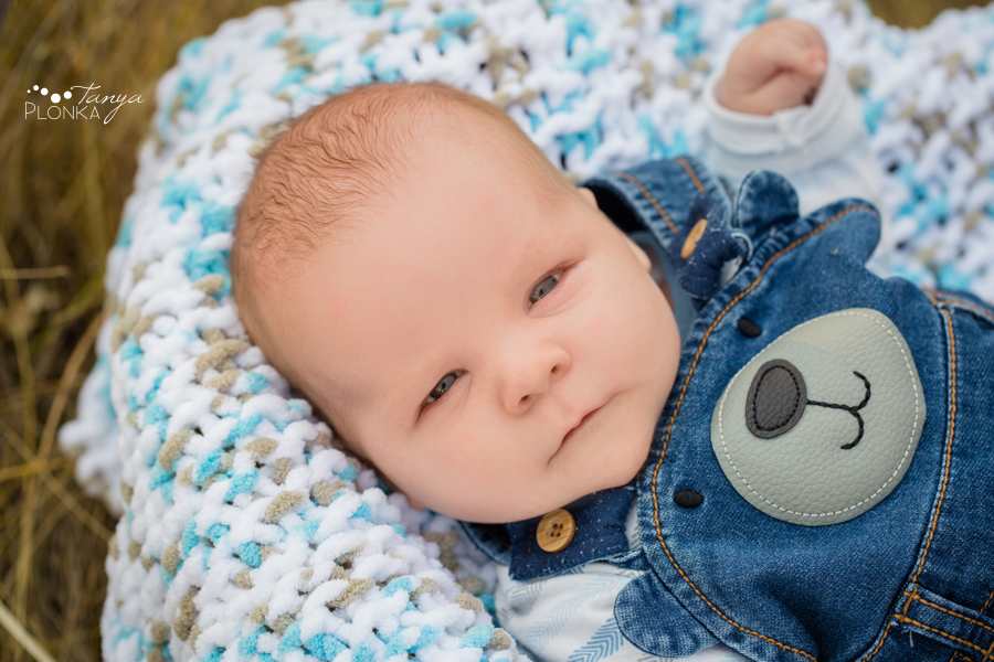 Fort Macleod outdoor newborn photo session