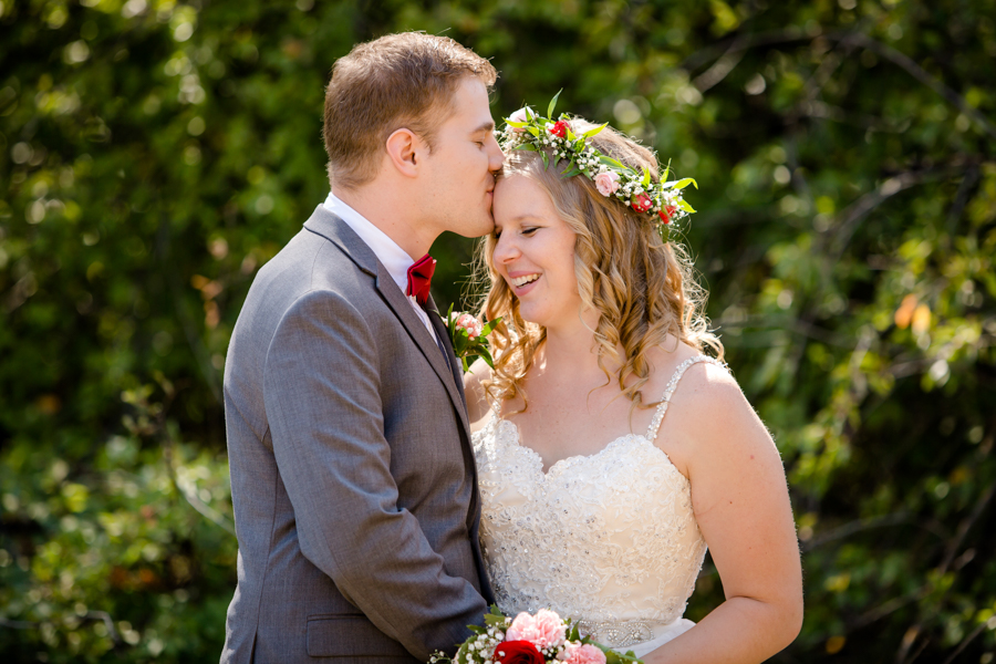 Jessica & Josiah, Lethbridge summer wedding portraits
