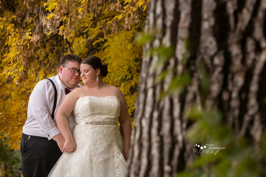 Raiven & Jonathan, Lethbridge Norland Estate autumn outdoor wedding