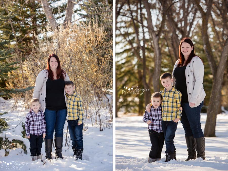 outdoor Lethbridge winter family photos