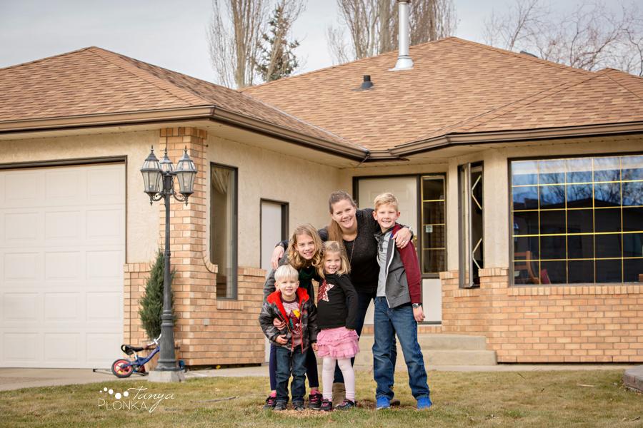 Coaldale indoor lifestyle family photos