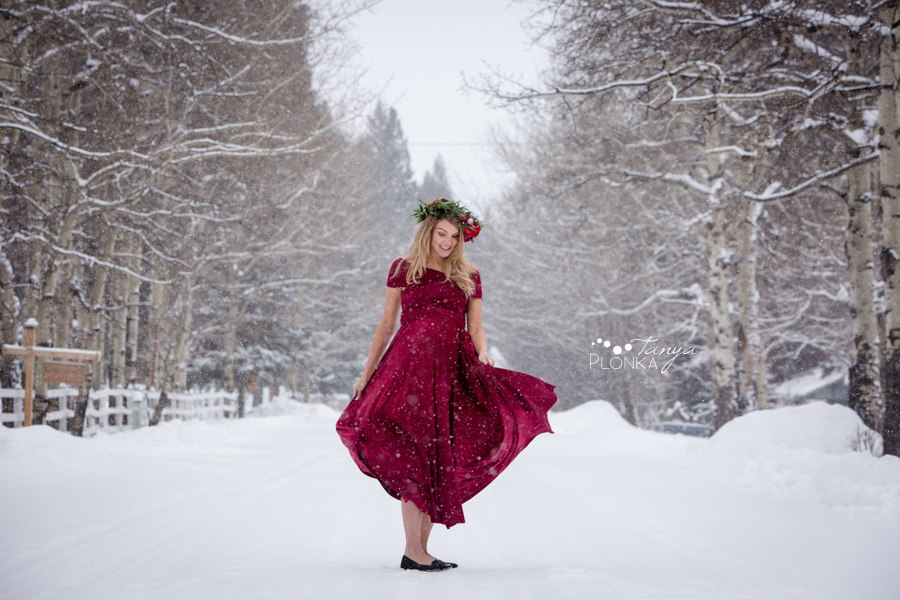 Crowsnest Pass winter maternity photos